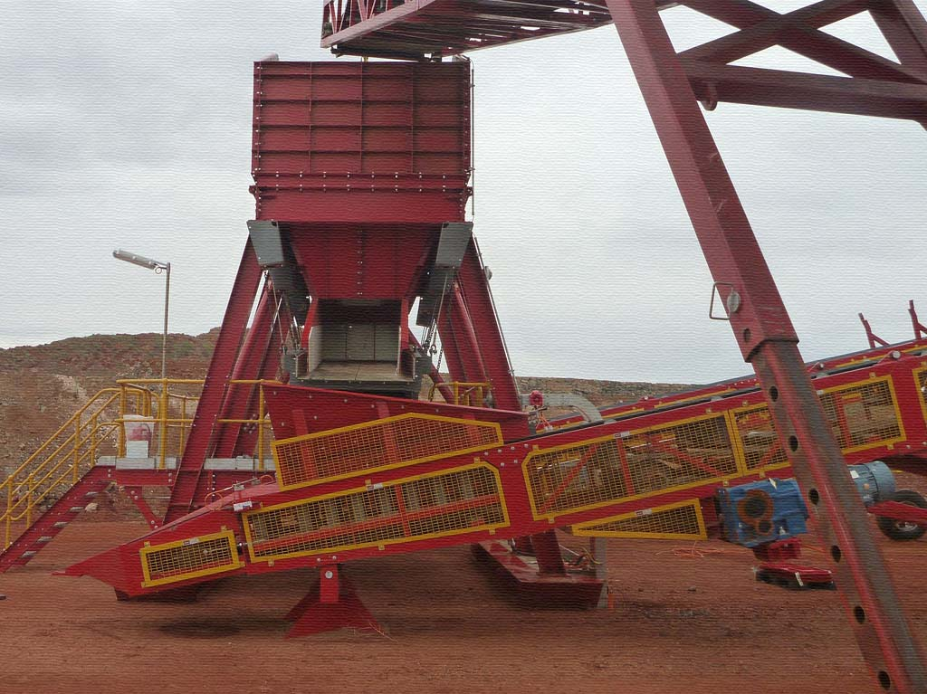 Skid Mounted Feed Hopper and Screen Structure | CLOSE